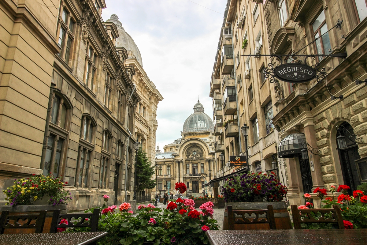 Discovering The Capital Of Contrasts Bucharest Old Town
